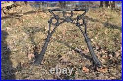 2 schöne Bankfüße Seitenteile Gartenbank aus Gusseisen Schwarz 2 Bretter-ZAG05