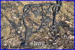2 schöne Bankfüße Seitenteile Gartenbank aus Gusseisen Schwarz 5 Bretter-ZAG14