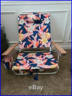 Tommy Bahama Backpack Beach Chair Floral 5 Positions Wooden Arms 250lbs Lay Flat